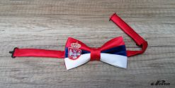 Leptir mašna u bojama srpske zastave
